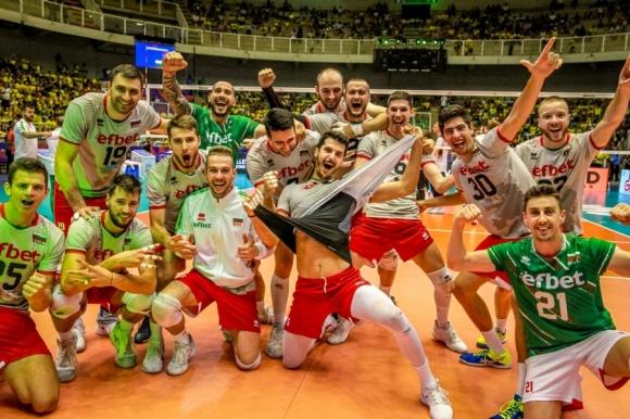 Групата на мъжкия национален отбор за турнира от Волейболната лига на...