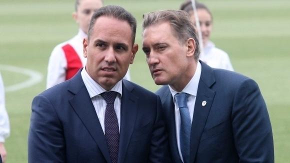 """Братя Домусчиеви напуснаха стадион """"Щанс"""" на почивката"""