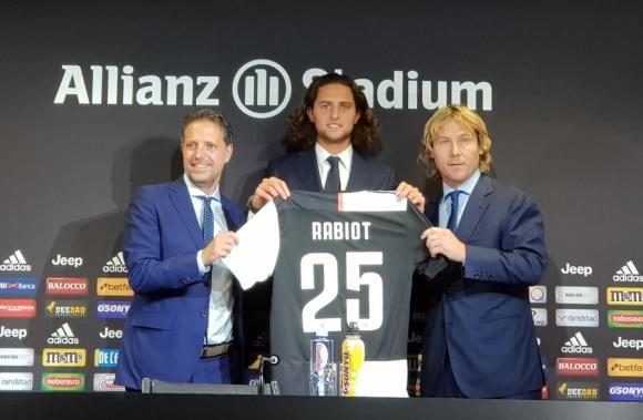 Рабио: Нямаше как да изпусна шанса да играя с Кристиано