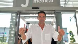 Буфон вече минава прегледите в Торино