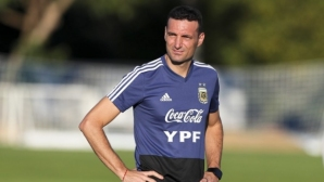 Селекционерът на Аржентина недоволен от ползването на VAR в мача с Чили