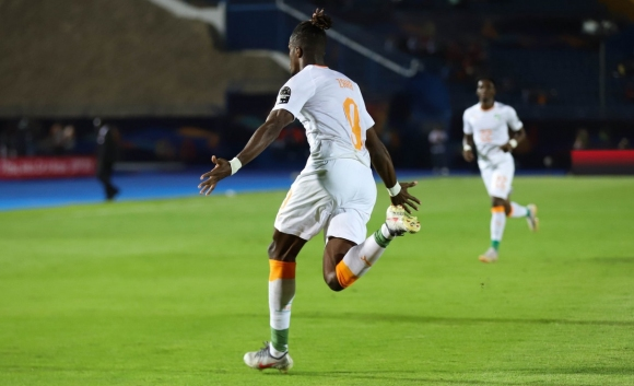 Уилфред Заха прати Кот д'Ивоар на 1/4-финал на Купата на Африка