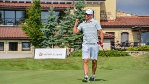 Красимир Балъков играе в голф турнир на Черноморието