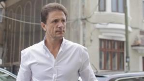 Янис Хаджи няма да бърза с отговор на милионна оферта