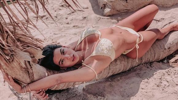 Секси модел заряза Фарфан (снимки)