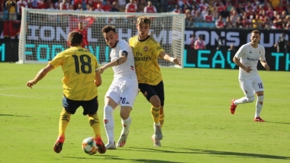 Петко Христов игра срещу Арсенал при тежка загуба на Фиорентина