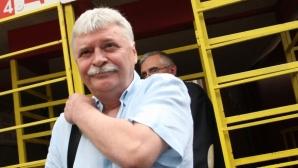 Мениджърът на Бербатов: Ще има нов правилник за футболните агенти