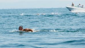 Цанко Цанков успя да преплува Бургаския залив