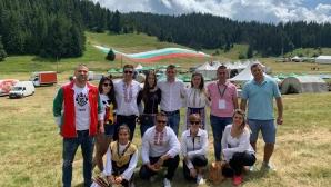 Родни спортни звезди разпънаха 320-метрово българско знаме на Рожен