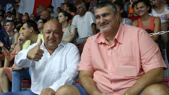 Министър Кралев подкрепи българските волейболисти във финала срещу Франция