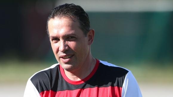 България с нов треньор, Балъков избра заместника на отишлия в Левски Йончо Арсов