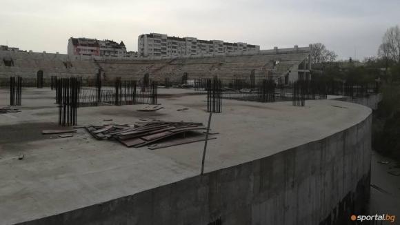 """Строежът на """"Колежа"""" ще се случи по план, обявиха от Ботев (Пд)"""