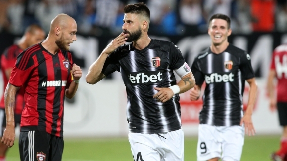 УЕФА прати 31-годишен португалец на Локо Пд - Страсбург