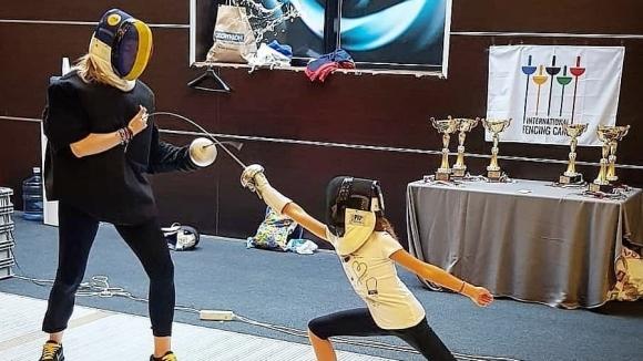Сто деца научиха как се става шампион по фехтовка
