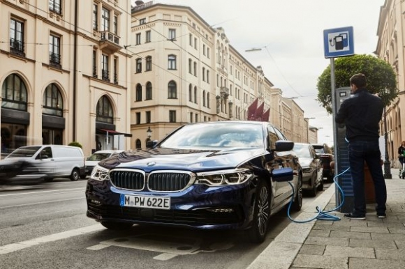 По-голямо разнообразие и по-голям електрически пробег с BMW 530e