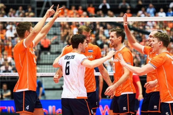 Холандия със страхотен обрат срещу Република Корея за начало на квалификацията (видео + снимки)