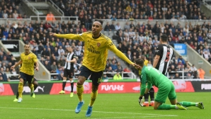 Обамеянг донесе успех на Арсенал на старта