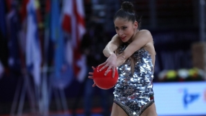 Невяна Владинова сама е предпочела да играе само на два уреда на Световното