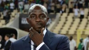 """Бивш селекционер на Нигерия """"изгоря"""" до живот заради манипулиране на мачове"""