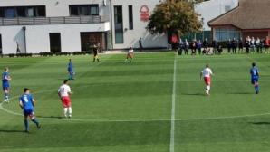 Български талант с два гола за юношите на Нотингам Форест