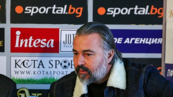 Ясен Петров може да смени Желко Петрович в Ботев (Пловдив)