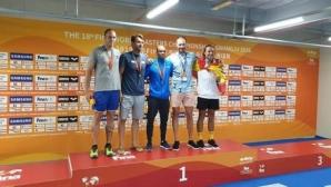 """2 медала за треньор на СК """"Акулите"""" от Световното за ветерани"""