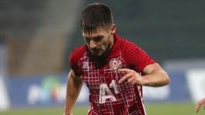 """""""Маратонецът"""" Малинов изиграл 716 минути за 38 дни"""
