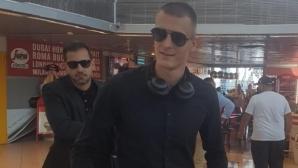 В Румъния посрещнаха Чорбаджийски като звезда - защитникът: Щастлив съм, че съм тук