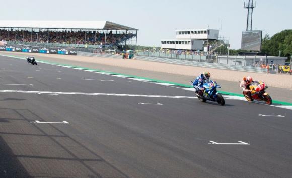 ГП на Великобритания бе четвъртата най-оспорвана в историята на MotoGP