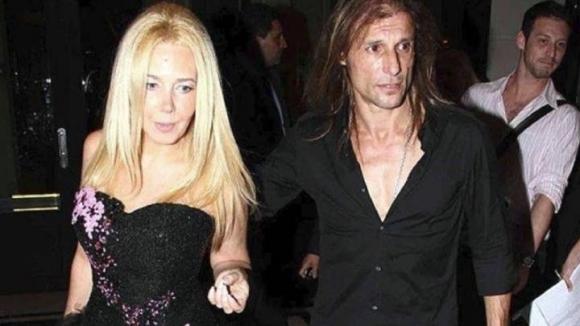 Съпругата на аржентинска легенда: По цял ден е дрогиран и живее с проститутка