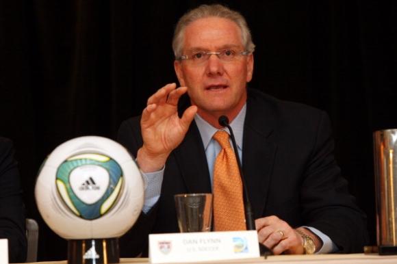 Дан Флин напуска поста главен секретар на футболната федерация в САЩ