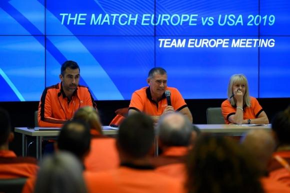 Атлетите на Европа водят на САЩ след първия ден
