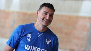 Владо Николов се оттегля като треньор на Левски, но след края на сезона