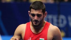 Айк Мнацаканян се класира за полуфиналите на Световното по борба