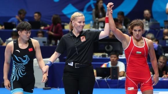 Тайбе Юсеин вече е на 1/2-финал на Световното, донесе първа олимпийска квота за борбата