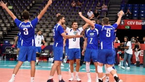 Гърция обърна Румъния за първата си победа на Европейското (снимки)