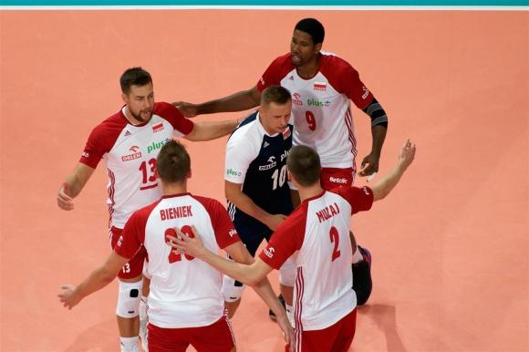 Полша не остави шанс на Германия и е на полуфинал (снимки)