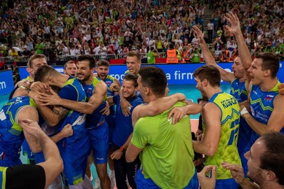 Приказката на Словения продължава! И световните шампиони от Полша загубиха в Любляна (видео + снимки)