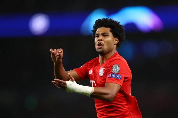 Гнабри стана вторият германец с 4 гола в мач от ШЛ