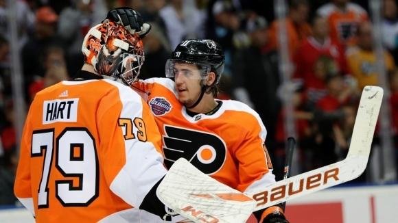 Филаделфия и Чикаго поднесоха шоу със седем гола на старта си в НХЛ