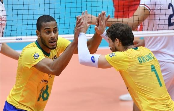 """Иран затрудни Бразилия, но """"Селесао"""" записа 5-а поредна победа (видео + снимки)"""