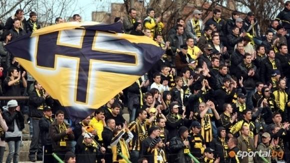 Стадионът в Перник ще има осветление, когато Миньор влезе в елита