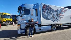 Българин с награда за най-бърза смяна на гума на камион в света (видео)