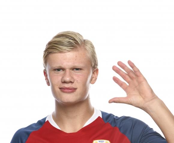 Наполи отрече да е имал шанс за трансфер на норвежката сензация Холанд