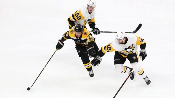 Александър Георгиев пусна шест гола в мач от НХЛ