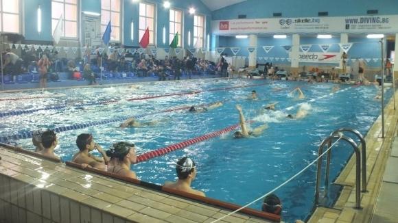 """Бивш национал по плуване излезе с отворено писмо във връзка с търг за басейн """"Спортна Палата"""""""
