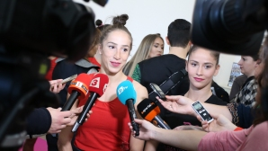 Дянкова и Владинова: Ще се раздадем за феновете