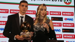 Десподов изпълнява предизвикателство от спортните журналисти