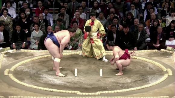 Аоияма загуби схватката от петия кръг във Фукуока