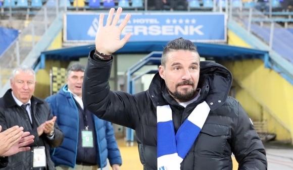 "Бивши играчи на Левски, лекари и журналисти ще изиграят мач ""Заедно срещу рака на простатата"""